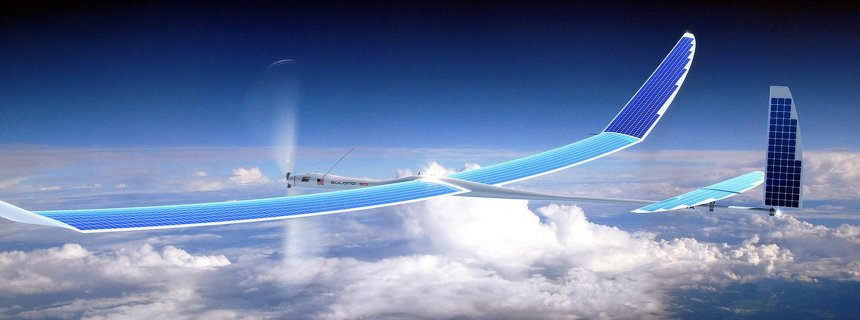 "epa04167970 A handhout image provided by Titan Aerospace/Google on 15 April 2014 shows a solar-powered Titan Aerospace drone (Solara 50). EPA/TITAN AEROSPACE/GOOGLE/HANDOUT HANDOUT EDITORIAL USE ONLY/NO SALES (zu dpa: ""Google-Drohne bei Testflug abgest¸rzt"" vom 30.05.2015) +++(c) dpa - Bildfunk+++"