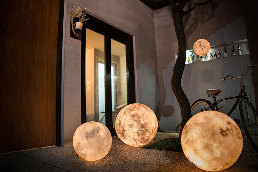 Ksiezycowa lampa Luna dekoracja, ktora zamienia przestrzen w magiczny swiat2