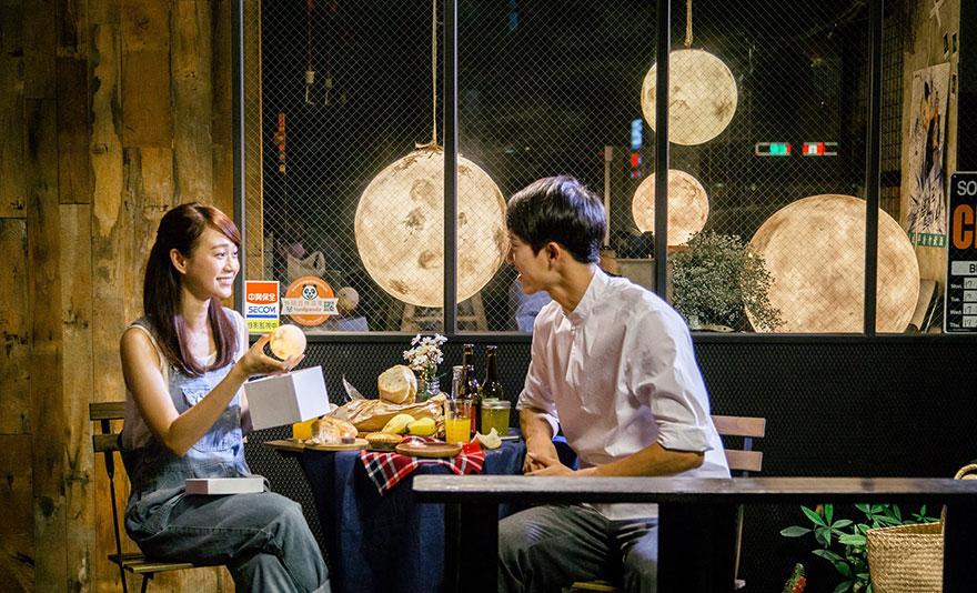 Ksiezycowa lampa Luna dekoracja, ktora zamienia przestrzen w magiczny swiat4
