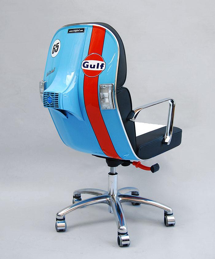 Stary Vespas przemieniony w nowoczesne krzeslo biurowe