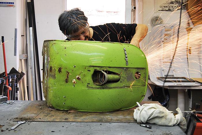 Stary Vespas przemieniony w nowoczesne krzeslo biurowe13