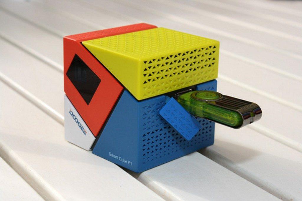 Doogee Smart Cube P1 – projektor ktory pomylisz z Kostka Rubika4
