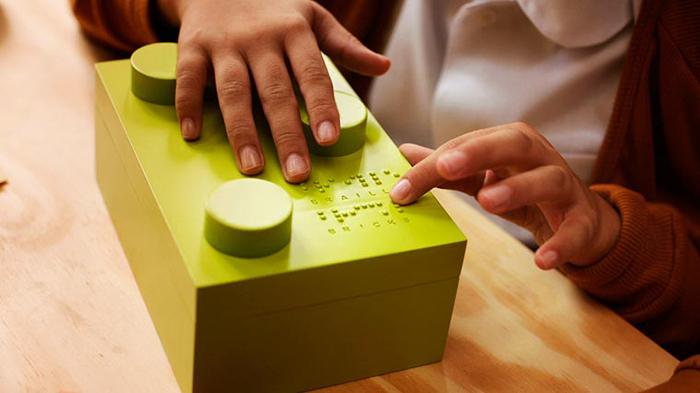Dzieci ucza się Braille'a za pomoca klockow wygladajacych jak Lego2