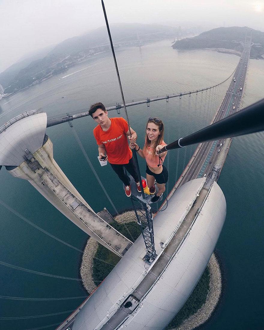 Galeria selfie wykonanych w niebezpiecznych miejscach14