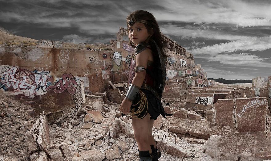 Ojciec spelnia marzenie trzyletniej corki i przemienia ja w Wonder Woman7